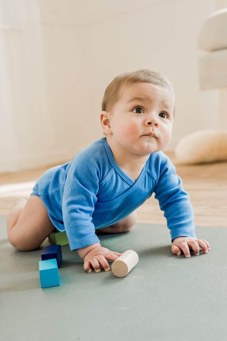 fc8eb05486a92 При подборе текстильных изделий для грудничков родители должны оценивать не  только красоту, но и индивидуальные особенности малыша и качество материала.